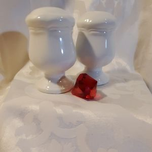 MIKASA FRENCH COUNTRYSIDE Salt/Pepper  Shakers
